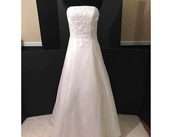 Vintage Strapless Wedding Gown