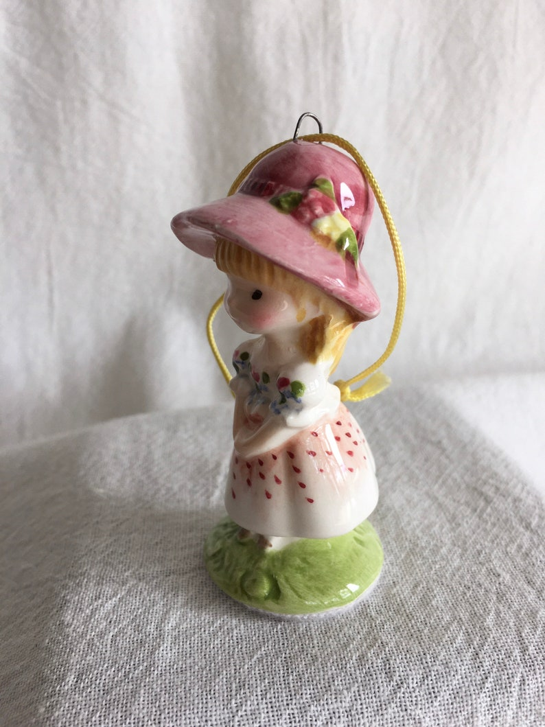 Vintage 1975 Schmid Ornament Rosalind Welcher Panda Prints Keep a Song in Your Heart