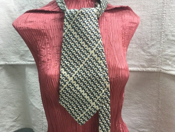 Nina Ricci silk tie. Men's Nina Ricci Silk Tie, Dr
