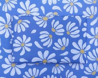 Blue Daisy Gift Wrap