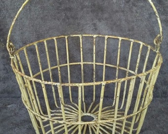 Antique Shabby White Metal Wire Egg Basket