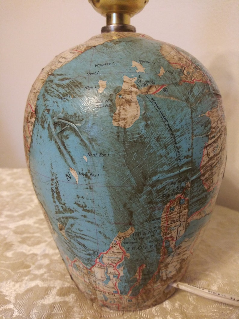 Small Accent Artisan Made Michigan Map 9 Table Lamp