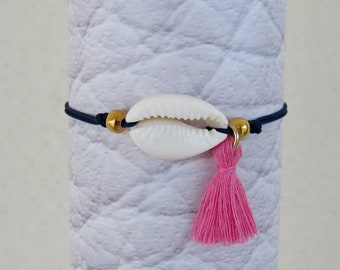 Cowrie Shell Friendship Bracelet, Bohemian Tassel Bracelet, Festival Style, Macrame Knot, Ibiza Summer Beach Jewelry, Seashells