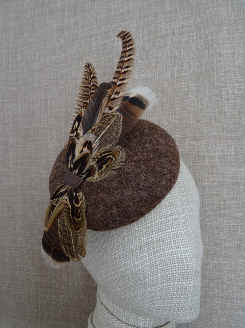 winter wedding wool fascinator with feathers Brown pillbox hat 60/'s vintage style button hatinator HT90