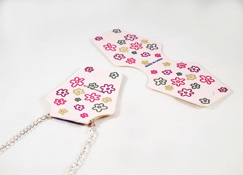 AD21-set of 20 supports 93mm X 36mm cardboard displays very pale pink motifs flowers for necklace or bracelet