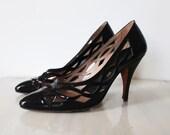 Vintage black Stiletto heel shoes, vintage black patent heels, black high heel pumps