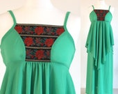 Green 70s maxi dress, bright apple green disco party dress, green vintage hippy peasant dress