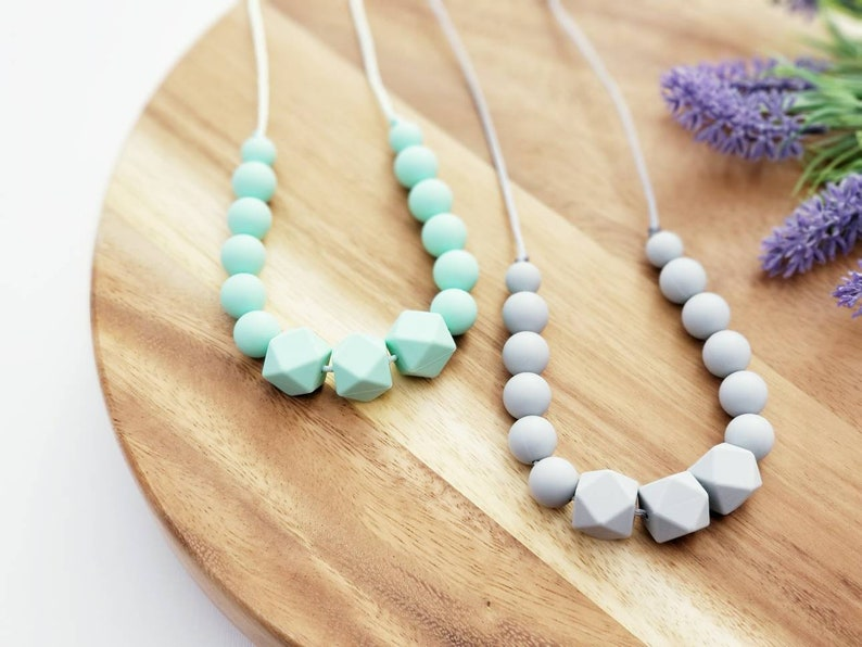 Silicone No BPA Mom Pendant Chewable Necklace Teething Nursing Baby Teether Chewable Ring,Lavender