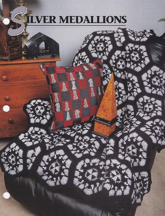 Medallones de plata de Annie Attic Crochet tejido y patrón