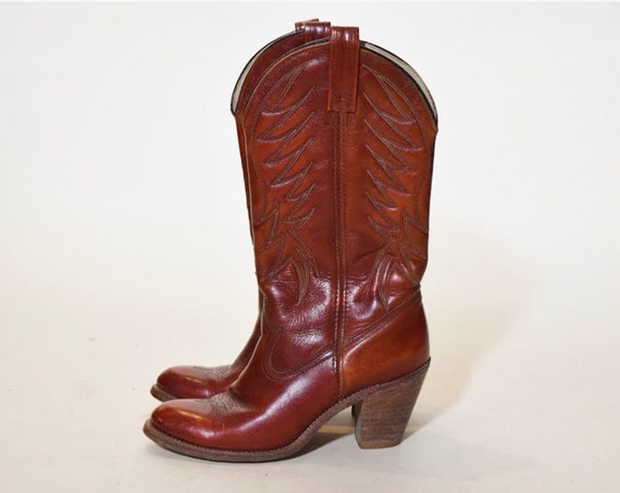 "Vintage Dingo rust red leather cowboy boots with stacked brown  3"" wooden heel women's US size 7.5"