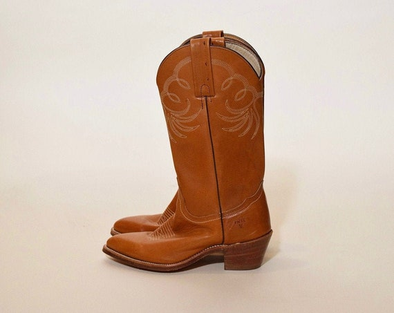 """Authentic vintage FRYE chestnut brown leather cowboy/cowgirl boots with stacked 2"""" wooden heel  women's US 7"""