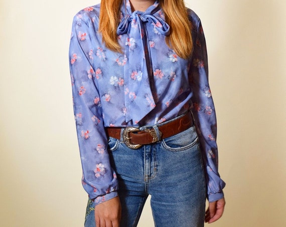 1980s authentic vintage polyester long sleeve preppy button down tie neck ascot floral printed blouse women's size medium
