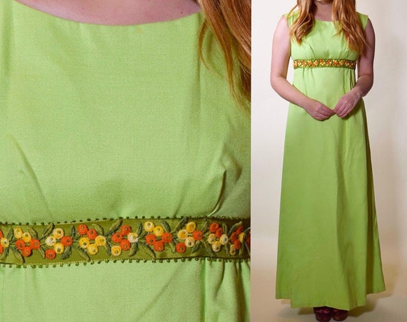 1960s Vintage green sleeveless raw silk maxi dress with floral embroidered ribbon + bow women's size XS-S