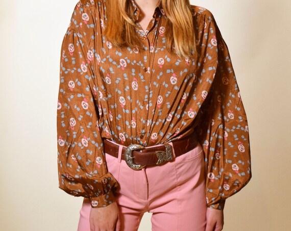 Authentic vintage Gloria Vanderbilt polyester rust orange brown floral patterned buttoned down long sleeve blouse women's size large