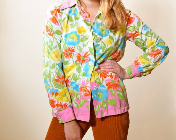 1970s authentic vintage floral button down lightweight collared long sleeve blouse women's size small