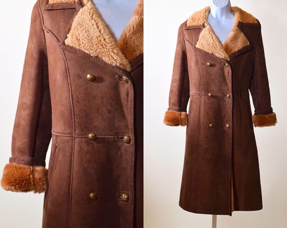 1970s brown suede leather double breasted coat with sherpa fur lining collar and cuffs women's size Small - medium