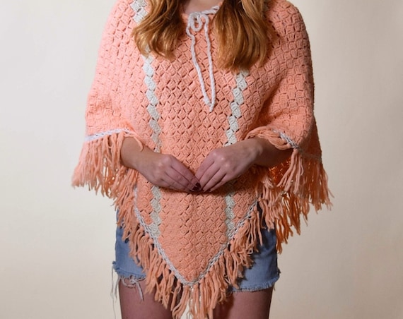 1960s-1970s handmade vintage peach pink + white stripe knit fringe pullover bohemian poncho women's size small