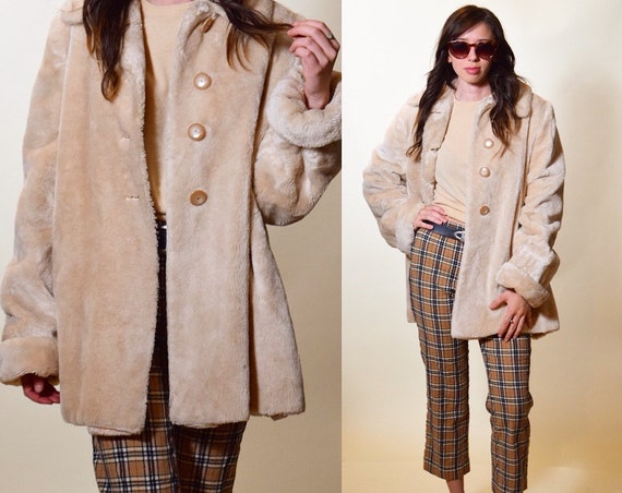 1960s authentic vintage faux fur off white cream oversized swing coat Mod Twiggy inspired women's size medium