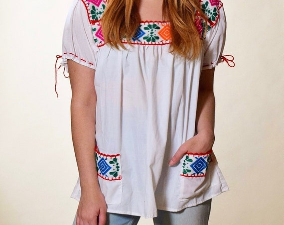 Authentic vintage one of a kind floral embroidered peasant short sleeve blouse with pockets women's size Small- Medium