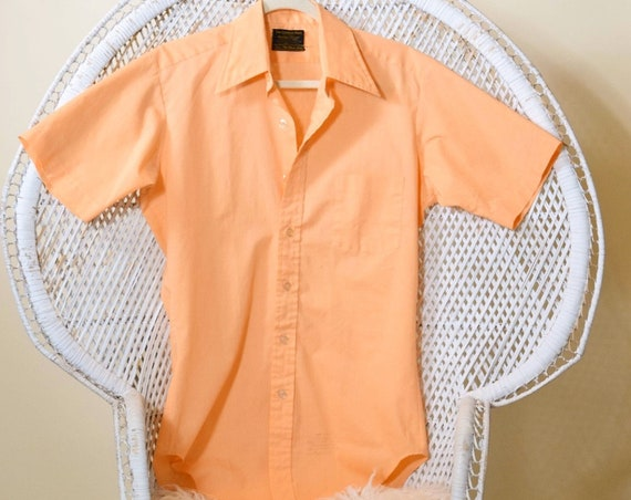 1970s authentic vintage peach Perma-Press Sears brand button down collared shirt men's size Sm-Medium