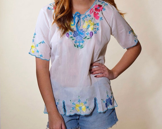 1950s authentic vintage floral embroidered sheer bohemian hippie short sleeve blouse women's size small