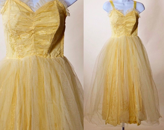 1950s authentic vintage yellow tulle sweetheart neckline fit and flare prom dress women's size XS