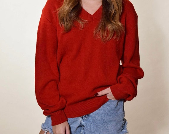 Authentic vintage red V neck red long sleeve oversized pullover sweater unisex Size medium
