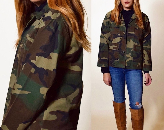 Authentic vintage Military Issue classic camo print cropped jacket women's size small