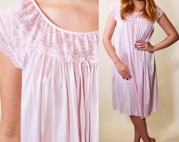 1960s-1970s Vintage light pink cap sleeve nylon + lace bodice midi length nightie women's size medium
