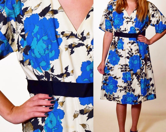 1960s authentic vintage wrap handmade short sleeve blue, white and black floral mini dress women's size small