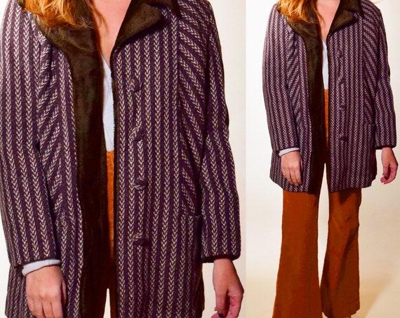 Authentic vintage 1960s-1970s brown tweed + faux fur collar button down coat women's size medium