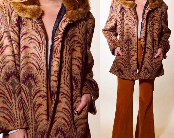 Authentic vintage Art Deco  1940s tapestry style mohair +  faux fur collar button front overcoat women's size medium
