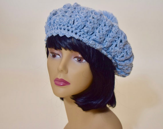 Authentic vintage 1970s classic light blue acrylic knit beret / beanie/ tam with pom   women's ONE SIZE