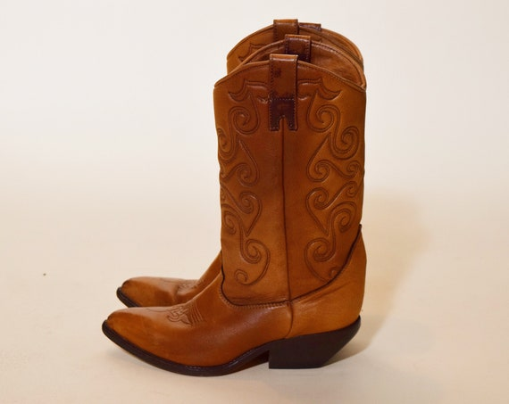 1970s authentic  vintage brown leather classic cowboy boots with stacked heels women's US size 7