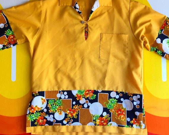 1970s authentic vintage gold yellow polyester collared disco tunic shirt with geo print mid century pattern men's size medium-large