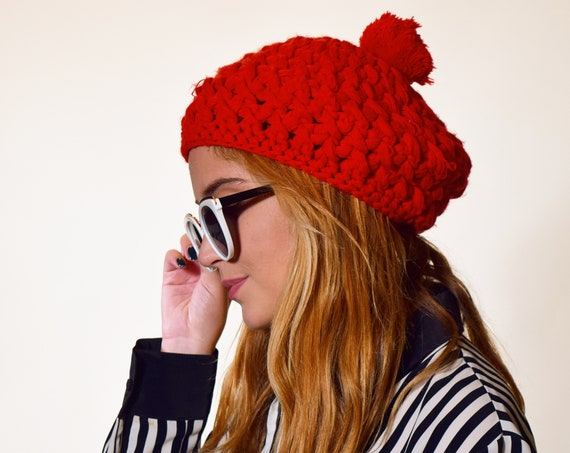 Authentic vintage 1970s classic red acrylic knit beret / beanie/ tam with pom   women's ONE SIZE