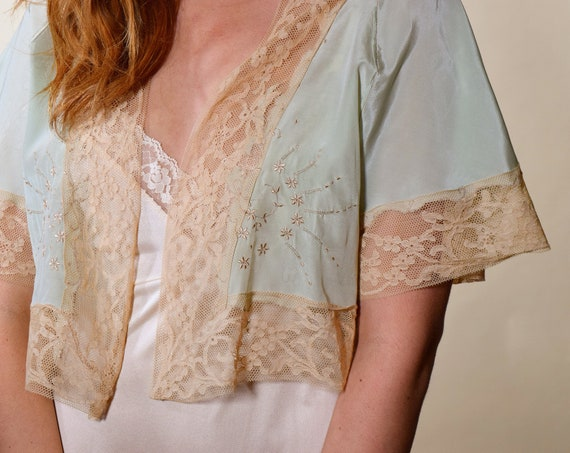 1930s authentic vintage light blue silk open front bed jacket with beige brown antique lace trim and embroidered  floral detail size small