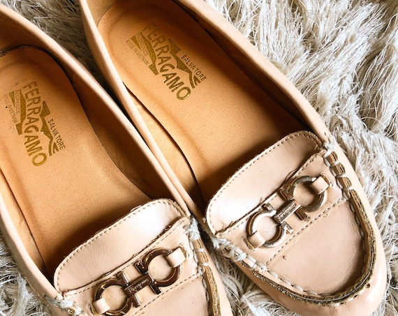 Authentic vintage Salvatore Ferragamo pale pink / off white soft leather slip on loafers with buckle women's US size 5