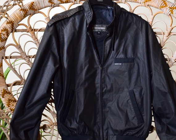 1980s vintage Black  Member's Only zip up polyester / cotton bomber jacket unisex size Large