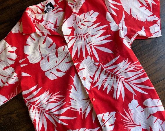 1980s authentic vintage red + white Hawaiian Hilo Hattie luau classic button down unisex size M-L