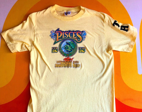 1970s Pisces vintage astrology sign retro hippie classic glitter iron on graphic t shirt women's size medium