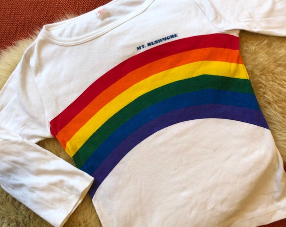Authentic vintage rare 1970s Mt. Rushmore rainbow cotton/poly 3/4 length sleeve graphic tee women's size small-medium