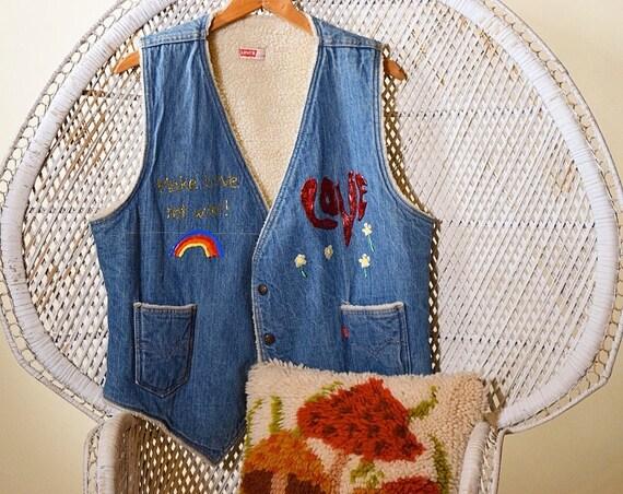 1980's does 1960's authentic vintage hippie rainbow Make Love Not War sherpa faux fur denim Levi's vest unisex size large/XL