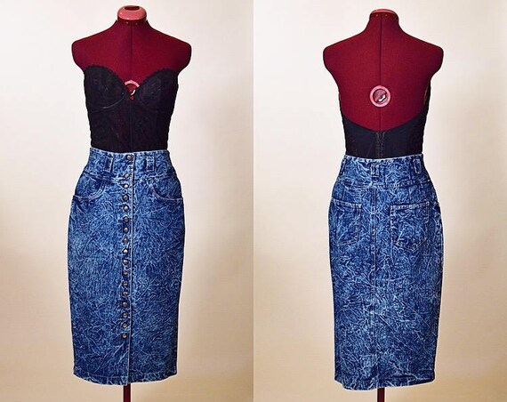 Vintage 1980's blue denim acid washed snap up high waisted pencil skirt women's size medium