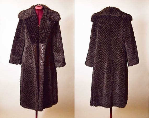 Vintage Ra Khan faux fur with leather lined pockets glamorous large winter cozy coat women's size Large/Extra Large