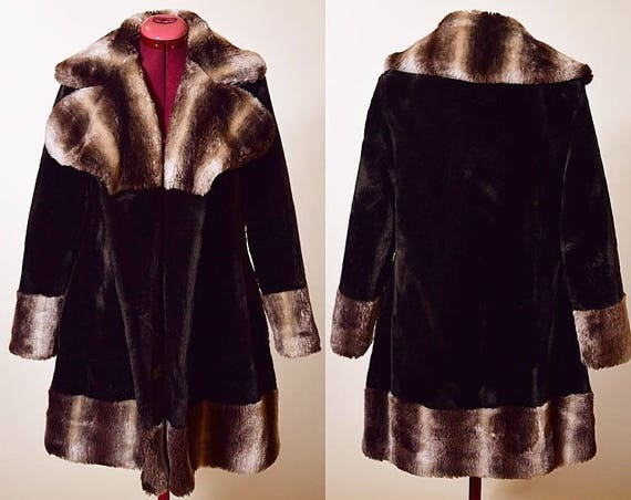 1970's classic vintage two toned dark chocolate brown faux fur winter coat women's size small / medium