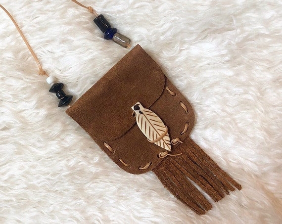Authentic vintage handmade small suede fringe pouch with leaf beaded closure