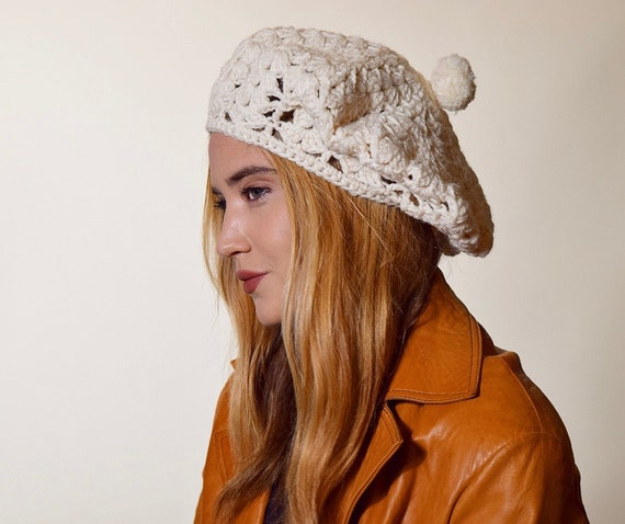 Authentic Vintage off white acrylic crochet beret/tam/beanie with pom women's one size