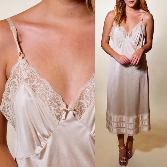 1960s vintage champagne/ beige midi length nylon + lace trim slip dress women's size Medium-large