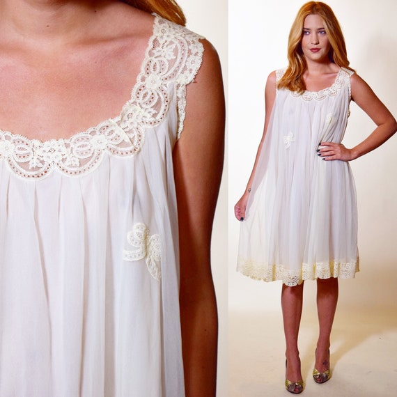 1960s Authentic vintage ivory nightie with lace trim and bow women's size medium